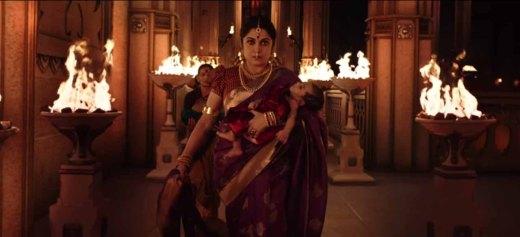 Ramya-krishna-in-Baahubali